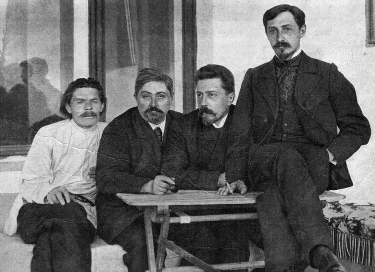 Максим Горький, Дмитрий Мамин-Сибиряк, Николай Телешов и Иван Бунин в Ялте, 1902 г.