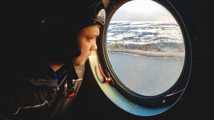 Позже к поискам подключили вертолет. Фото: МЧС по Мурманской области