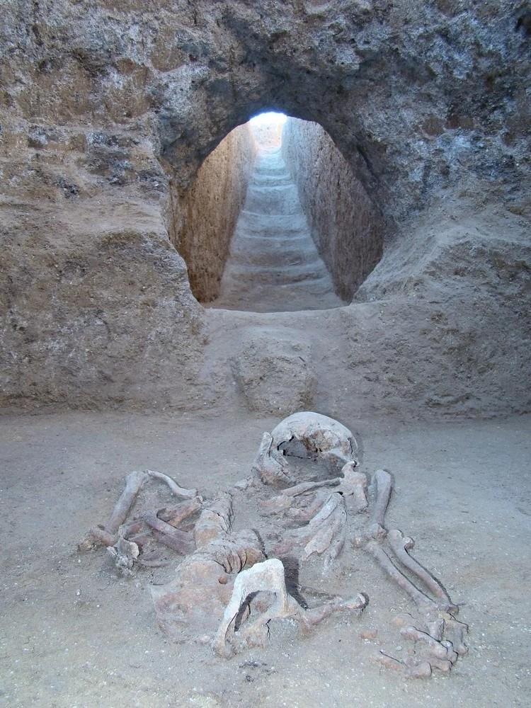 Пока что на Сувлу-Кая нашли около 40 захоронений. Фото: Институт археологии Крыма РАН