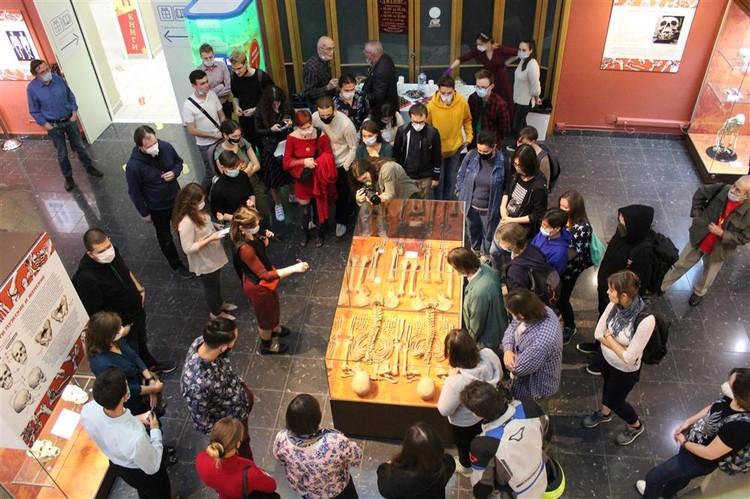 Найденный череп со следами трепанации из Кургана попал на выставку «Травмы прошлого». Фото: Пресс-служба ИА РАН