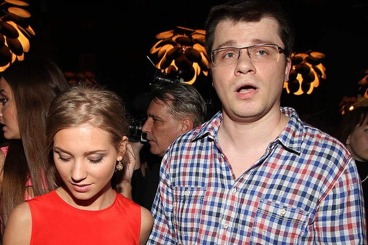 Гарик Харламов долго не решался на развод с женой из-за дочки Насти.