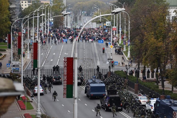 Массовое шествие было остановлено ОМОНом