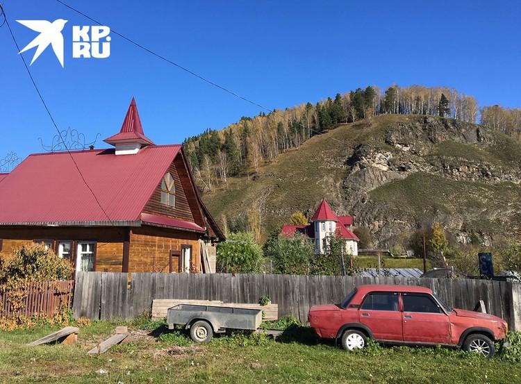 В деревне виссариаоновцев.
