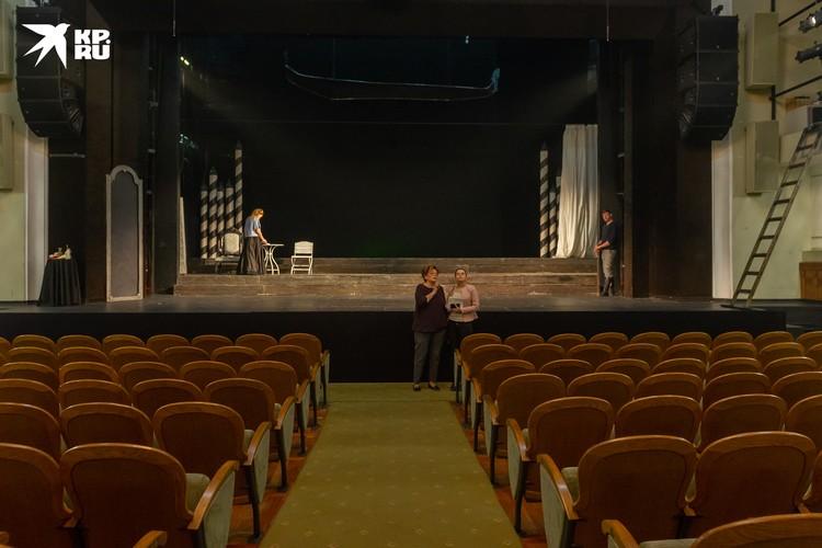 Новый театральный сезон в Петербурге начался буквально месяц назад.
