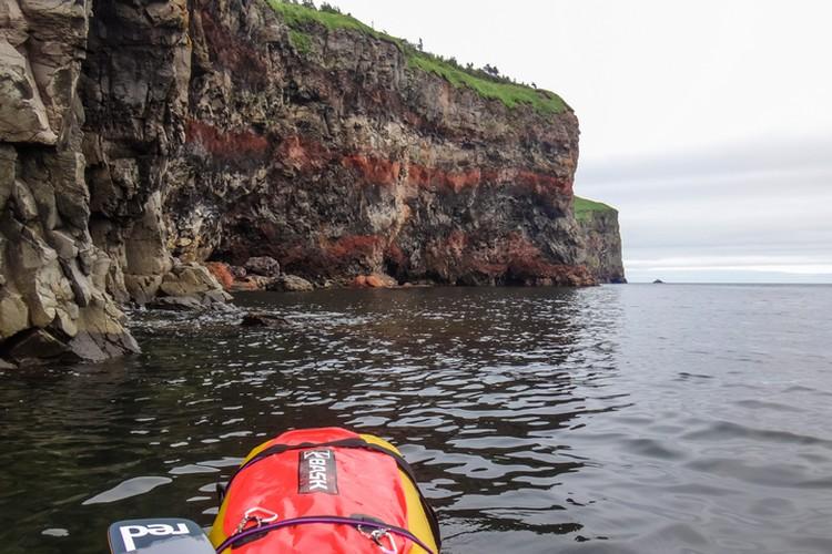На пути к бухте Табо Максиму пришлось пройти 15-километровый скальный бастион