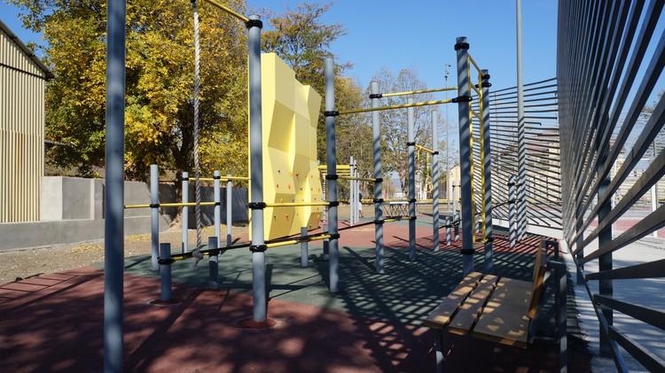 В Чечне за 2020 год обновлены 92 территории. Буквально на днях в Грозном появился новый сквер со спортивными площадками. Фото предоставлено пресс-службой Минстроя и ЖКХ республики Чечня