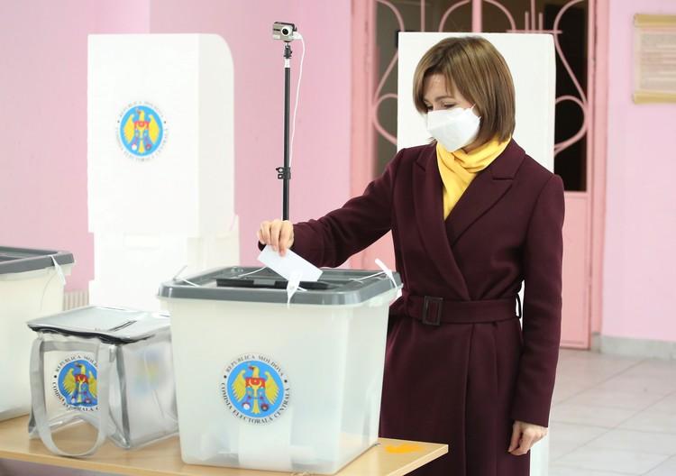 Запад готовился победить на этих выборах целых пять лет. В итоге, проиграл не Игорь Додон, а Россия.