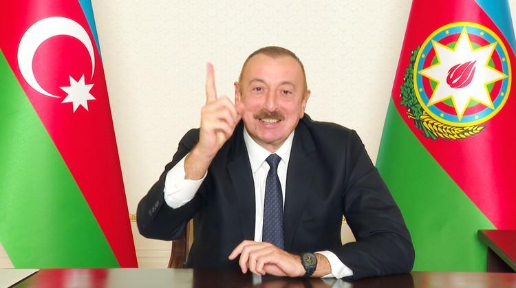 Президент Азербайджана Ильхам Алиев во время телеобращения к нации по итогам соглашения вокруг Нагорного Карабаха.