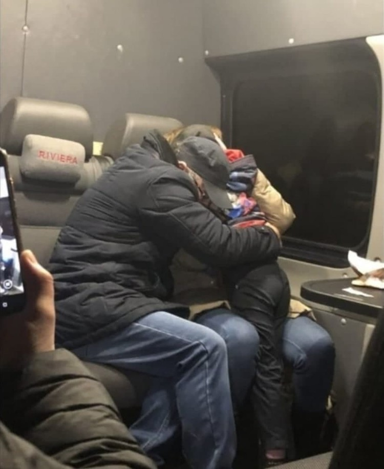 Савелий и его отец Александр едут домой. Фото - соцсети.