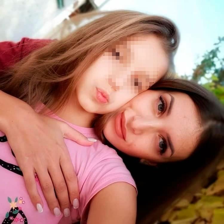 Яна Гребенюк теперь живет с мамой Аликой Ивлиевой и старается забыть произошедший кошмар.