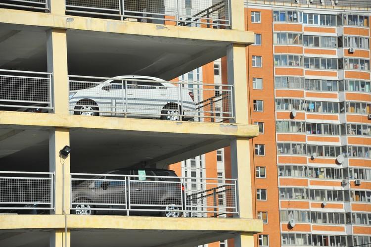 В столице место в паркинге может стоить до 900 тысяч рублей.