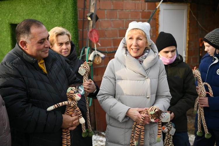 Карен Даллакян рассказал детям о животных приюта Фото: пресс-служба РМК