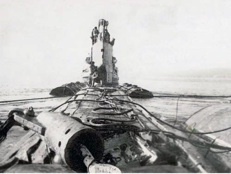 Затонувшая подлодка после поднятия на поверхность. Фото: из личного архива Сергея Кубынина