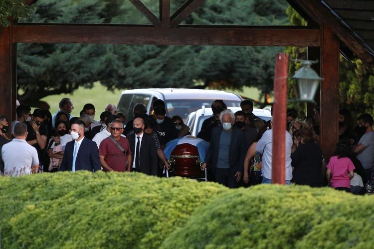 Похороны Диего Марадоны прошли в узком кругу родных и близких