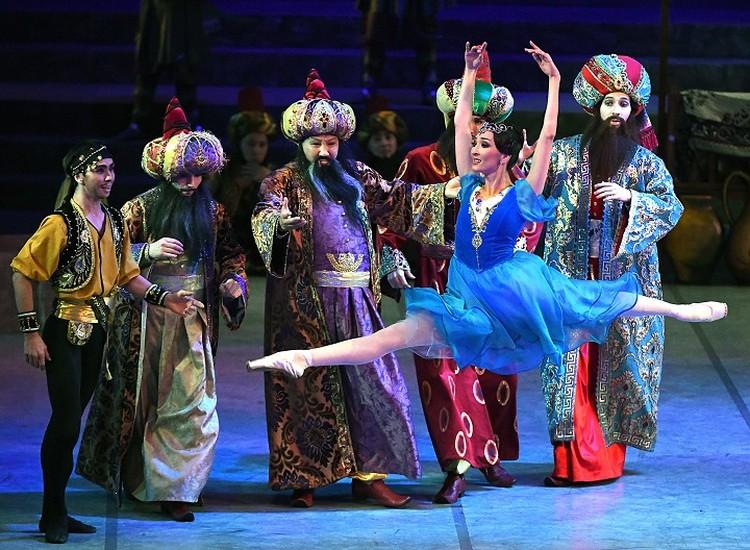 Бессмертная классика в современной хореографической обработке ставится на сцене КГАТОБ им. Абая в преддверии 165-летия со дня премьеры балета.
