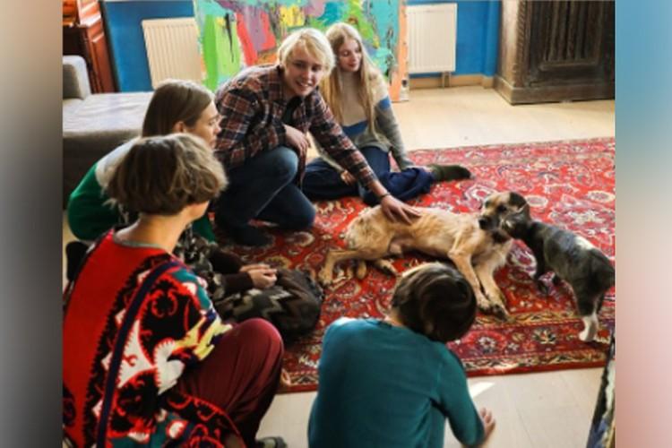Наталья Водянова с детьми путешествует по России.