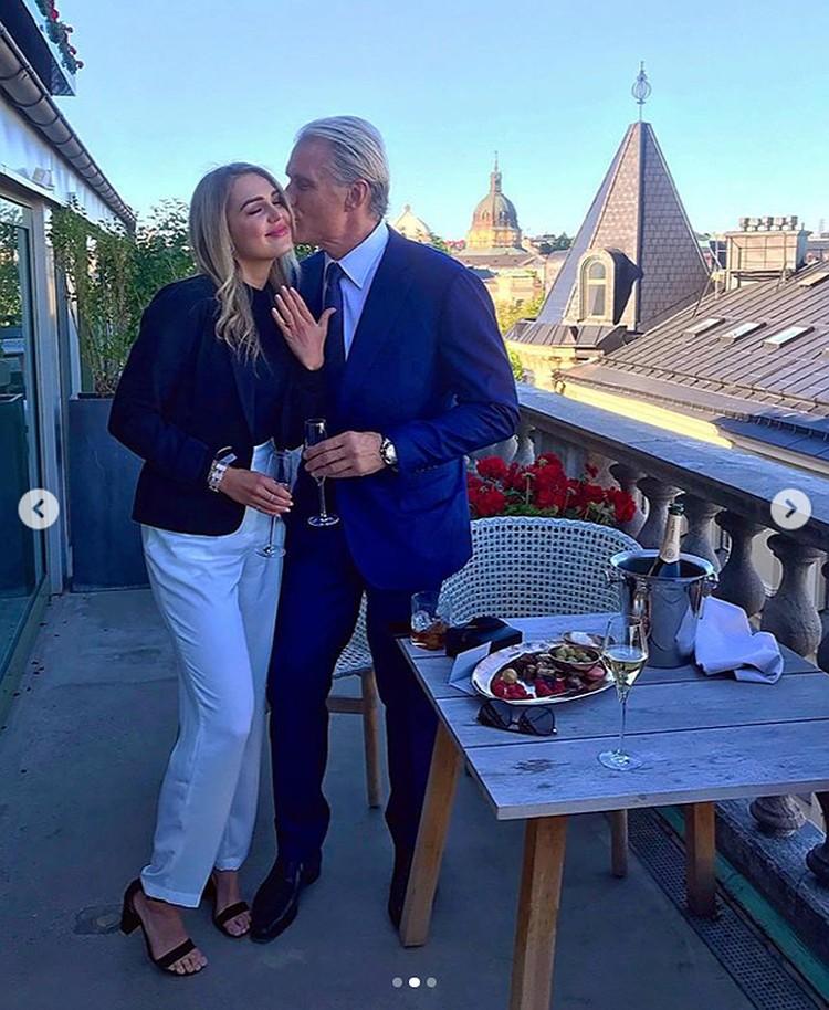Пара объявила о помолвке летом этого года. Фото: Инстаграм.