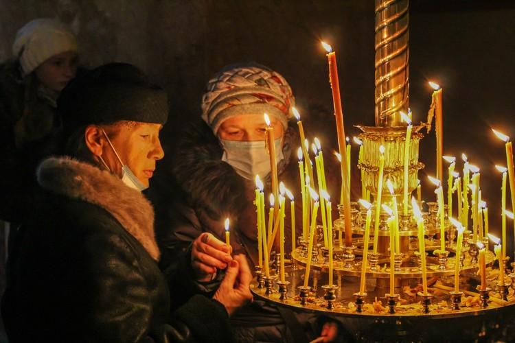 Жители Республики идут в храмы на богослужения