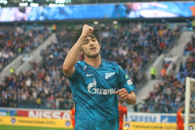 Азмун попал в сферу интересов «Боруссии», и если даже Дортмунд пожалеет на него 20 млн евро, все равно этот хороший знак – значит игроки «Зенита» все-таки котируются в Европе.