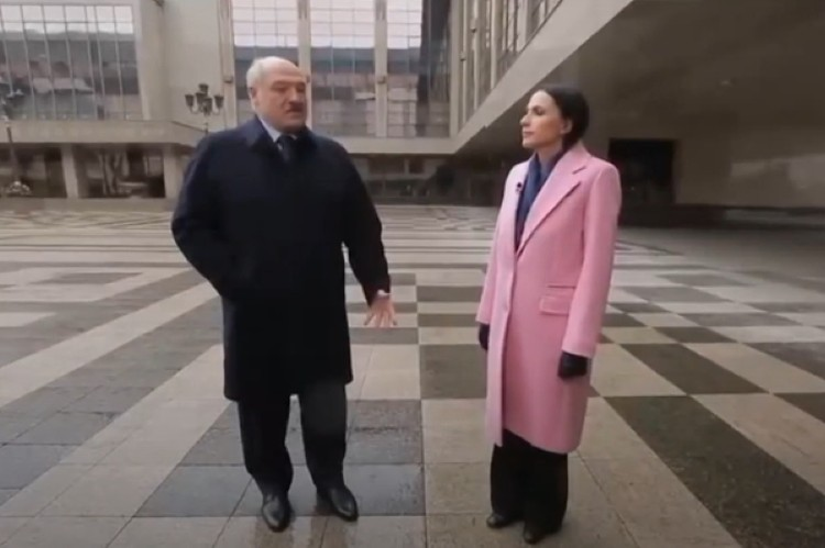 Наиля Аскер-заде взяла интервью у Александра Лукашенко в Минске. Фото: стоп-кадр видео