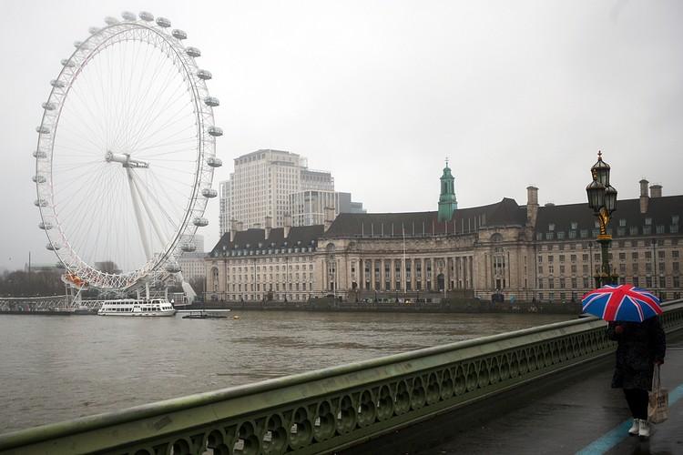 Великобритания продолжает быть поставщиком самых тревожных коронавирусных новостей