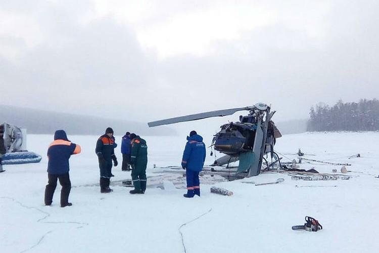 Вертолет «Еврокоптер АС-350», который разбился в Братске в декабре 2017 года. Фото: ГУ МЧС по Иркутской области.