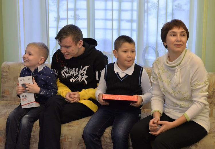 Группа ЧТПЗ стала ключевым партнером акции «Снеговики-добряки». Фото Александр Волошин.
