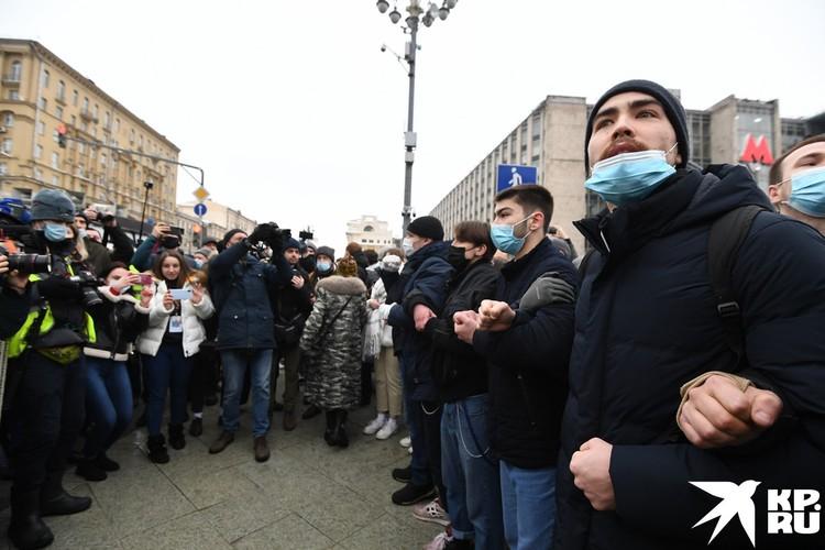 На Навального ходит в большинстве своем 20-25-летние студенты