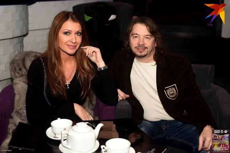 Анжелика Ютт и Владимир Станкевич уже бабушка и дедушка - а ни за что не скажешь! Фото: личный архив