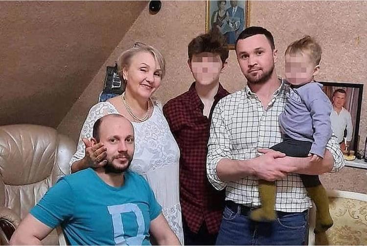 Анна, Алексей и Владимир Девятаевы.