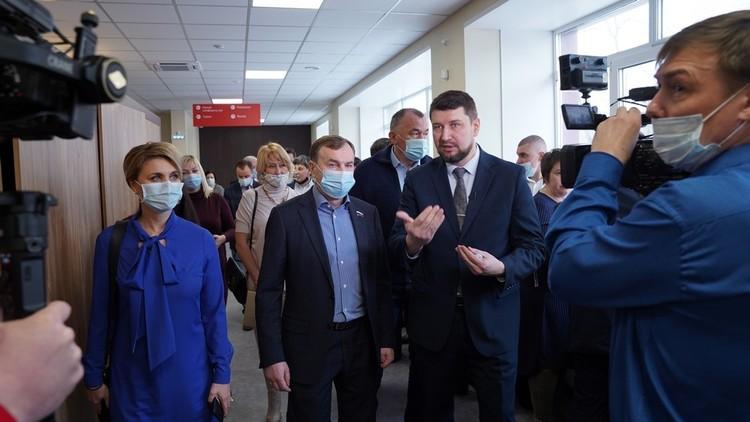 Виктор Зубарев и Александр Граматунов на открытии центра. Фото: пресс-служба правительства Красноярского края