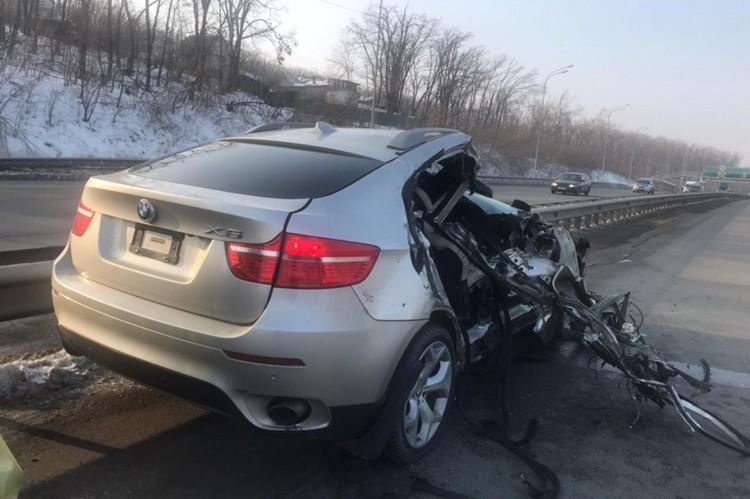 Водитель BMW от медицинской помощи отказался. Фото: пресс-служба ОГИБДД УМВД России по городу Владивостоку