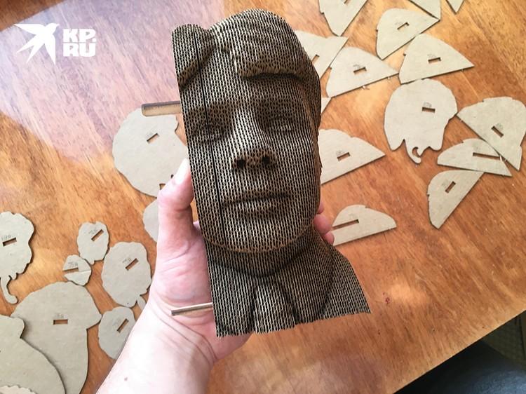 В результате через сорок минут из этих кривых изогнутых картонок на вашем столе рождается скульптура