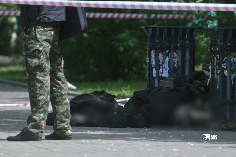 Мужчина убил собутыльников в парке на улице Челюскинцев