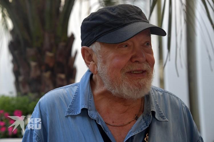 Режиссер Сергей Соловьев посмеялся над страданиями Елены Прокловой.