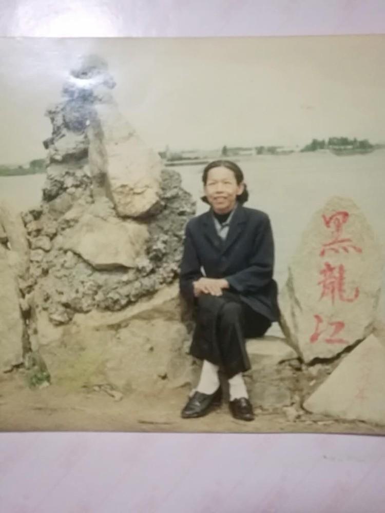 Мама Хунлиня, завещавшая сыновьям найти пропавшего брата. Фото: архив семьи.