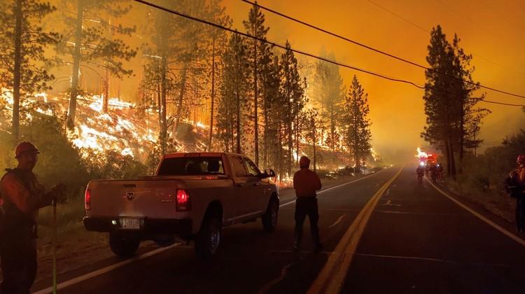 """В Калифорнии бушует """"мегапожар"""""""