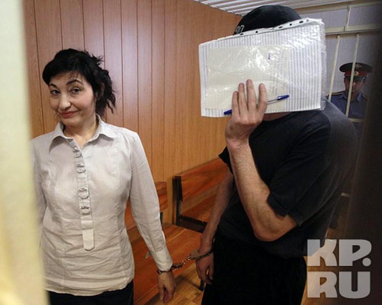 Похитители сына Ставского в зале суда: Горчханов получил 14 лет колонии строго режима, а Дотаева - шесть лет колонии общего режима.