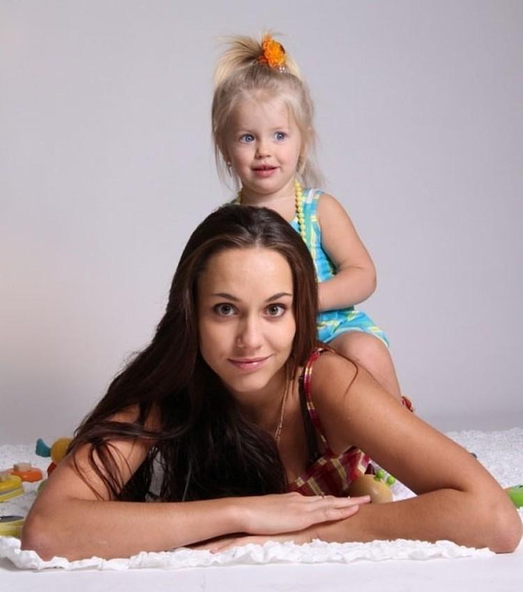 У самой красивой мамы и дочь красавица!