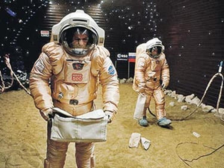 Испытателям пришлось почти по-настоящему поработать на поверхности планеты.