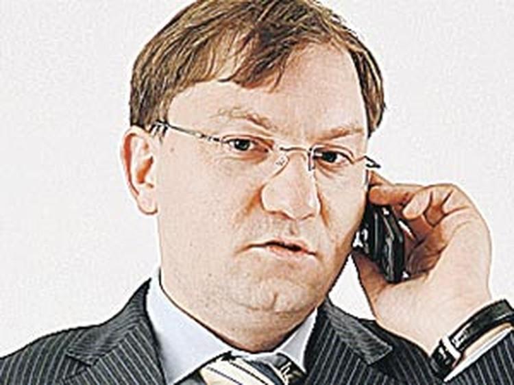 Руслан Пухов: - 20 триллионов рублей на перевооружение армии - это минимум, который ей нужен.