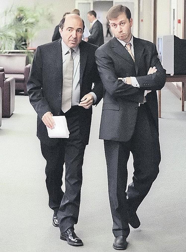 А ведь когда-то оба олигарха были деловыми партнерами и даже приятелями.