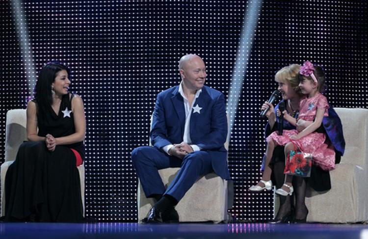 Эксперты нового сезона: Искуи Абалян, Александр Солодуха и Ирина Нарбекова (на коленях маленькая Саша).