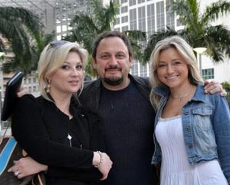 Инна Маликова (справа) с удовольствием проводила время с семьей Стаса Михайлова (на фото он с женой Инной Канчельскис).
