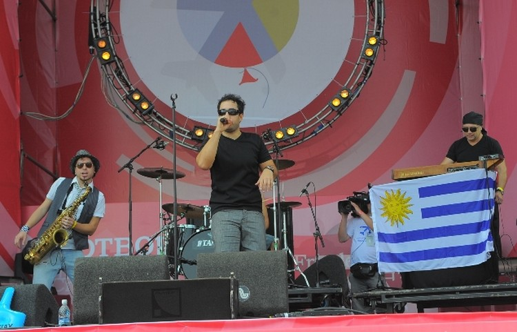 на фестиваль приехали музыканты из разных стран.