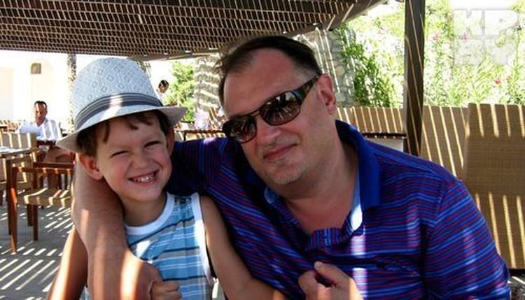 Владимир Янковский стал отцом после 40 и позволяет сыну практически все.