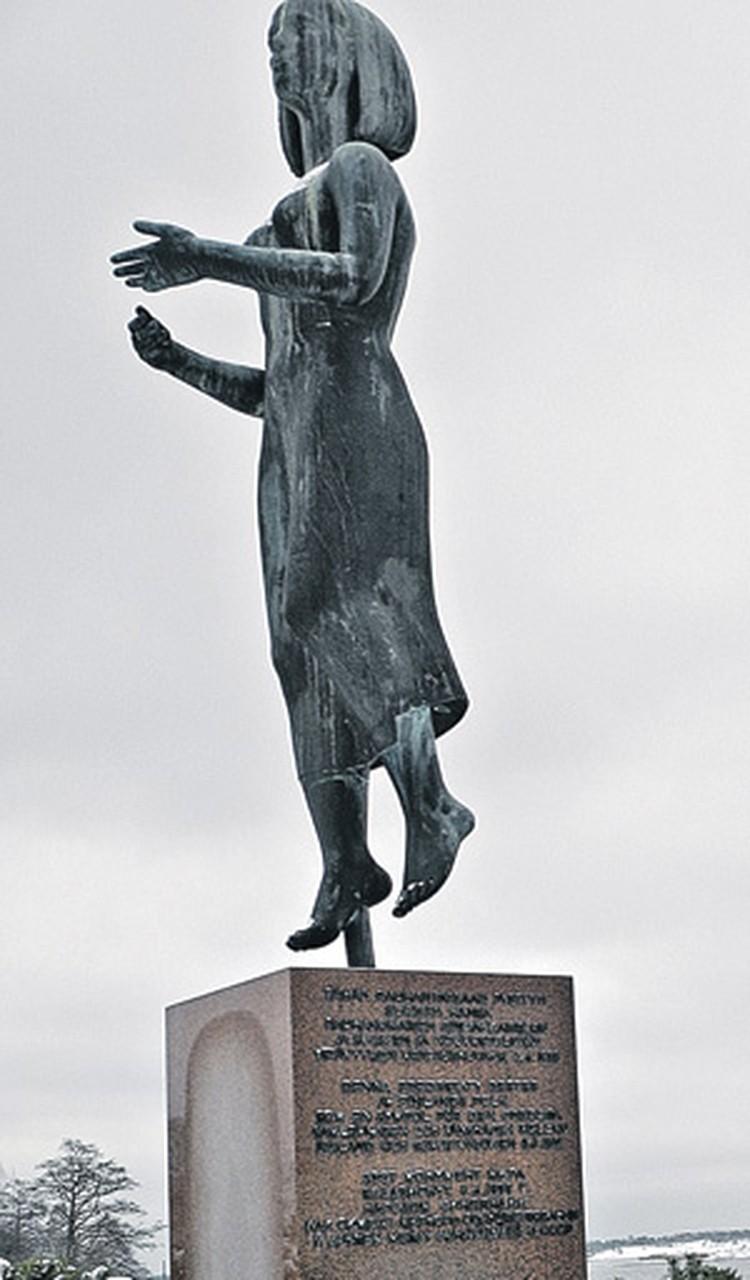 В отличие от некоторых других стран Европы на памятники в Финляндии никто не покушается. Даже если они посвящены советско-финской дружбе