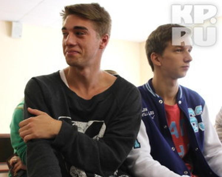 Никита Казарицкий (слева) и его друг Михаил Берлизов сразу признали свою вину