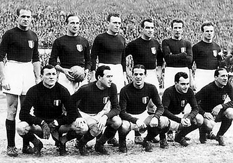 """Футболисты """"Торино"""" посмертно стали чемпионами Италии."""