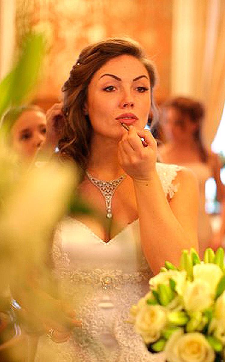 Ольга Радиевская в свадебном наряде.